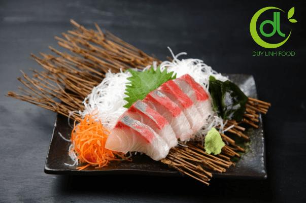 Sashimi cá cam củ cải trắng